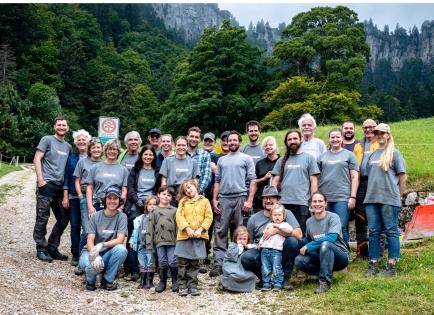 Tageseinsatz des RC Zurich Plus gemeinsam mit dem RAC Basel und dem RC Basel International bei einer Bauernfamilie.